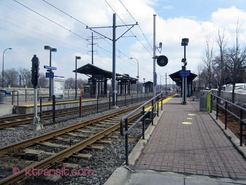 Stunning Light Rail Pulls Into The Light Rail Minneapolis