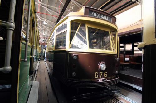 Tram 676