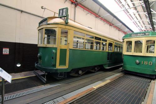 Tram 1040