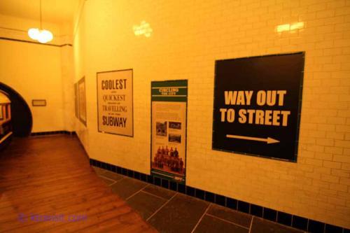 "Glasgow Subway ""Station"""