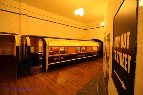 "Glasgow Subway ""Station"""