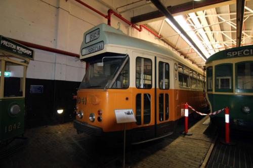 Tram 1041
